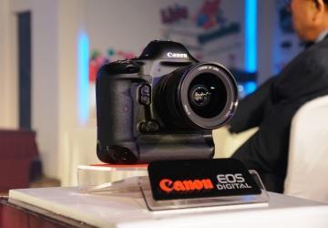 Siêu phẩm EOS – 1DXCanon ra mắt tại Việt Nam
