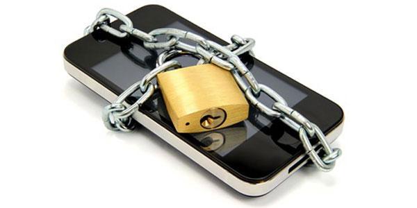 Nguy cơ mất dữ liệu trên smartphone cấu hình sẵn