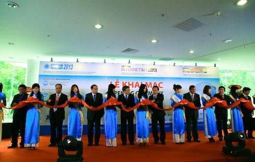 Toàn cảnh triển lãm Vietnam Telecomp 2013
